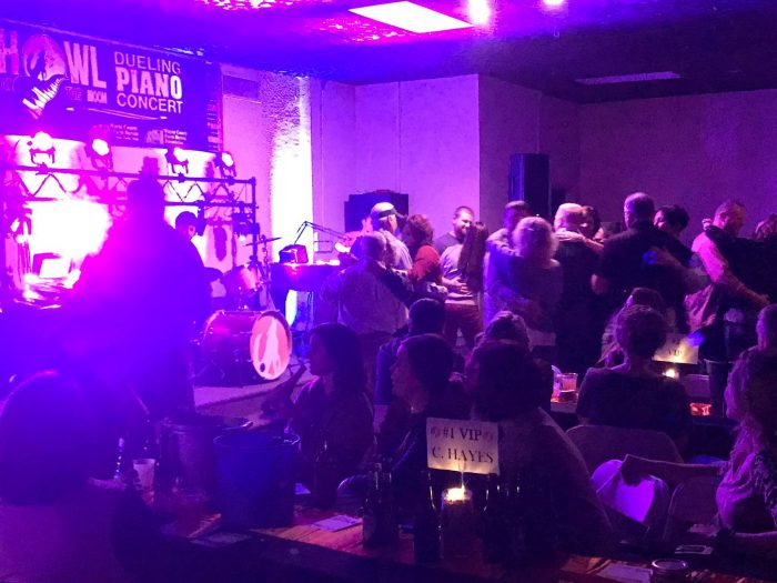 best live music entertainment in southern illinois is from dueling pianos by howl