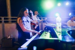 best reviewed live music show in the north east howl2go dueling piano touring show